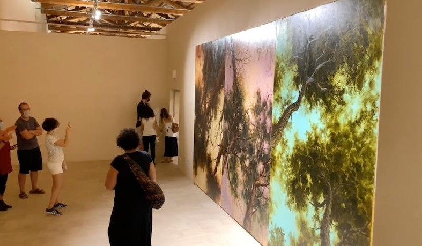 https://www.ragusanews.com//immagini_articoli/05-09-2020/1599322701-l-arte-contemporanea-abita-a-scicli-1-500.jpg