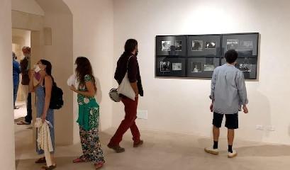 https://www.ragusanews.com//immagini_articoli/05-09-2020/1599322702-l-arte-contemporanea-abita-a-scicli-3-240.jpg
