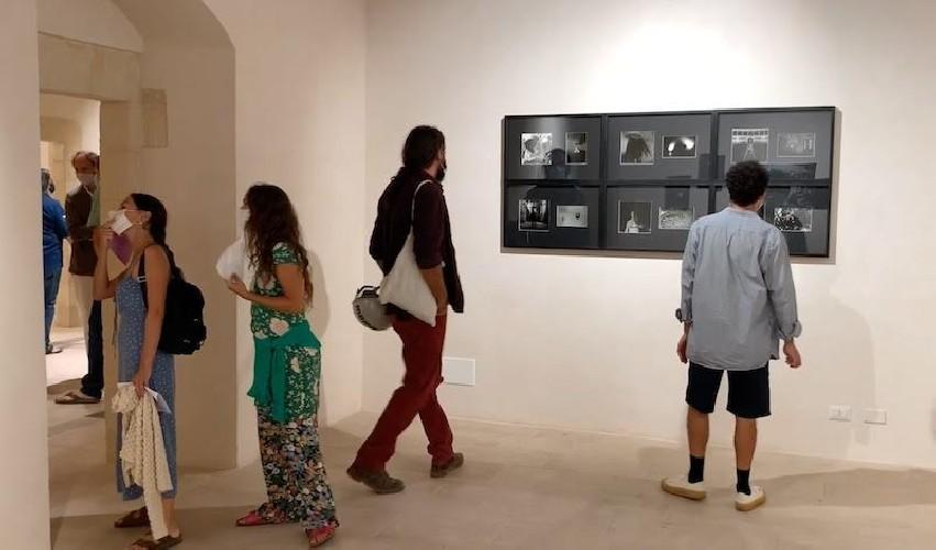 https://www.ragusanews.com//immagini_articoli/05-09-2020/1599322702-l-arte-contemporanea-abita-a-scicli-3-500.jpg