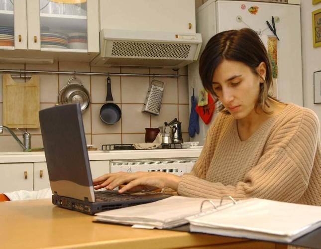 https://www.ragusanews.com//immagini_articoli/05-09-2020/asintomatico-e-positivo-al-tampone-non-puoi-lavorare-neanche-da-casa-500.jpg