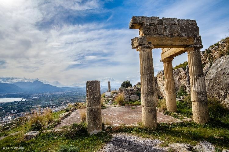 https://www.ragusanews.com//immagini_articoli/05-09-2021/un-corso-di-laurea-triennale-in-beni-archeologici-di-noto-500.jpg