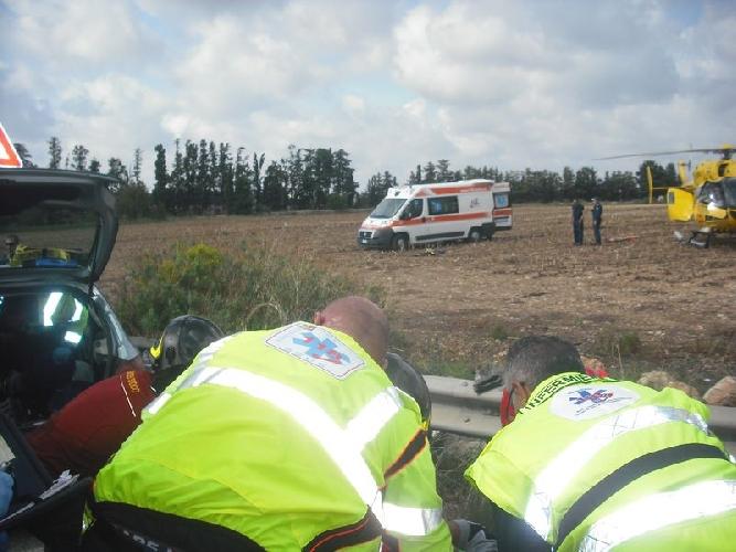 http://www.ragusanews.com//immagini_articoli/05-10-2015/incidente-un-ferito-elisoccorso-a-catania-500.jpg