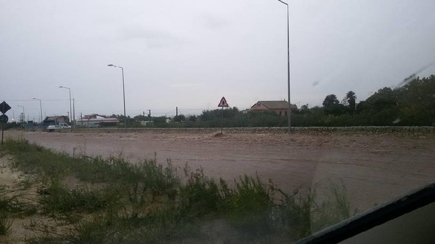 https://www.ragusanews.com//immagini_articoli/05-10-2017/ragusamarina-ragusa-diventata-fiume-foto-500.jpg