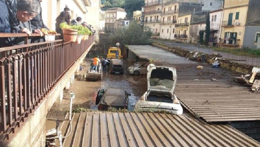 https://www.ragusanews.com//immagini_articoli/05-10-2018/grande-bugia-indennizzi-alluvione-solo-cento-500.png