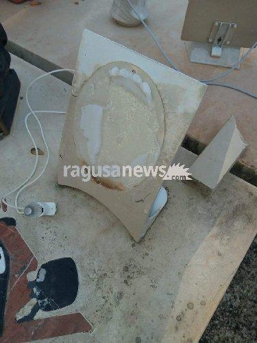 https://www.ragusanews.com//immagini_articoli/05-10-2018/prima-profanare-tomba-tunisino-stato-menato-500.jpg