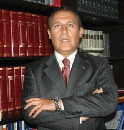 https://www.ragusanews.com//immagini_articoli/05-11-2016/attinelli-all-ultimo-voto-e-il-nuovo-presidente-dei-commercialisti-420.jpg