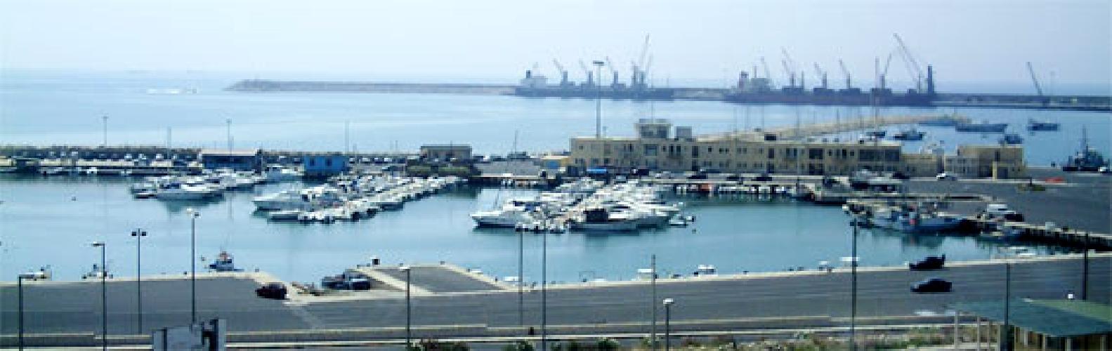 http://www.ragusanews.com//immagini_articoli/05-12-2014/231-mila-euro-per-la-messa-in-sicurezza-del-porto-di-pozzallo-500.jpg