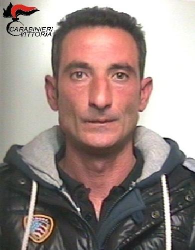 http://www.ragusanews.com//immagini_articoli/05-12-2015/droga-arrestato-tutino-500.jpg