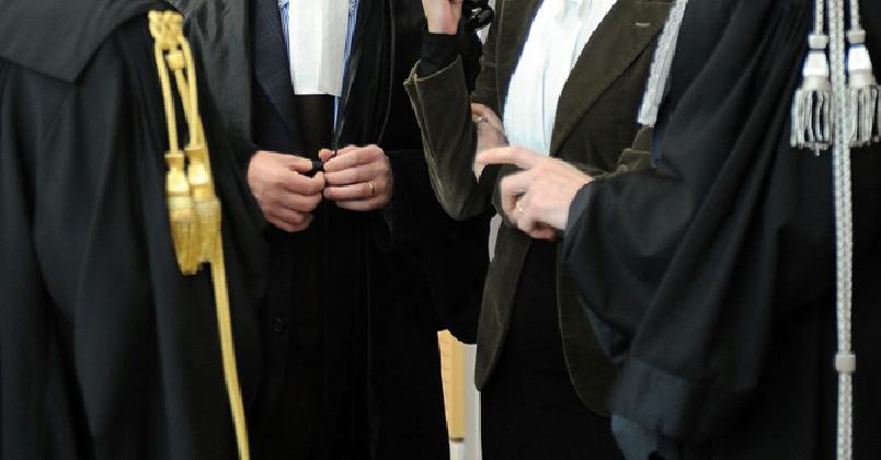 http://www.ragusanews.com//immagini_articoli/05-12-2016/chiaramonte-136mila-euro-di-parcelle-da-pagare-agli-avvocati-420.jpg