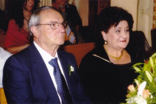 https://www.ragusanews.com//immagini_articoli/05-12-2016/nozze-d-oro-per-gilda-e-giovanni-zisa-420.jpg