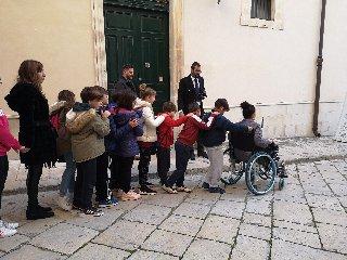 https://www.ragusanews.com//immagini_articoli/05-12-2019/giornata-mondiale-disabilita-a-scicli-240.jpg