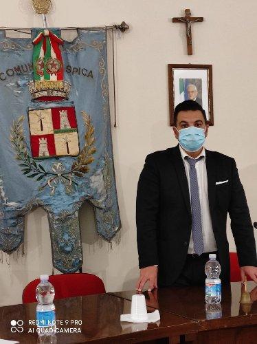 https://www.ragusanews.com//immagini_articoli/05-12-2020/lorenzo-ricca-eletto-presidente-del-consiglio-comunale-di-ispica-500.jpg