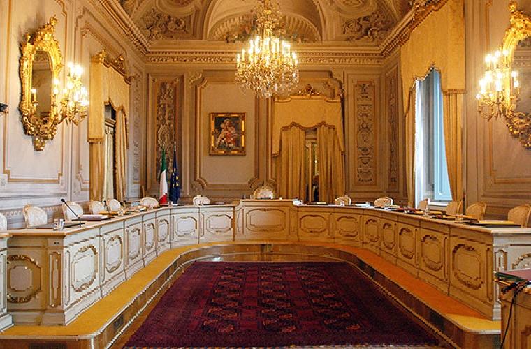 https://www.ragusanews.com//immagini_articoli/06-01-2011/nuovo-concorso-per-i-presidi-siciliani-gli-esclusi-impugnano-il-decreto-500.jpg