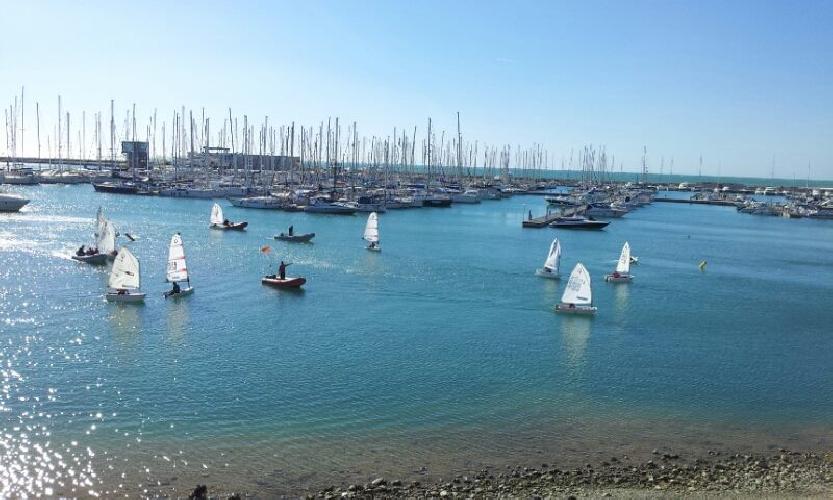 https://www.ragusanews.com//immagini_articoli/06-01-2013/veleggiata-della-befana-a-marina-di-ragusa-in-memoria-di-buno-bufardeci-500.jpg