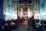 https://www.ragusanews.com//immagini_articoli/06-01-2015/cena-in-chiesa-sotto-gli-occhi-del-gioia-100.jpg