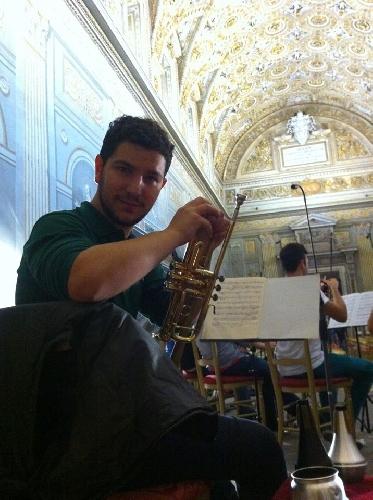 http://www.ragusanews.com//immagini_articoli/06-01-2016/william-castaldi-prima-tromba-dellorchestra-sinfonica-siciliana-500.jpg