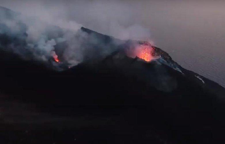 https://www.ragusanews.com//immagini_articoli/06-01-2019/buongiorno-stromboli-vulcano-sveliato-500.jpg