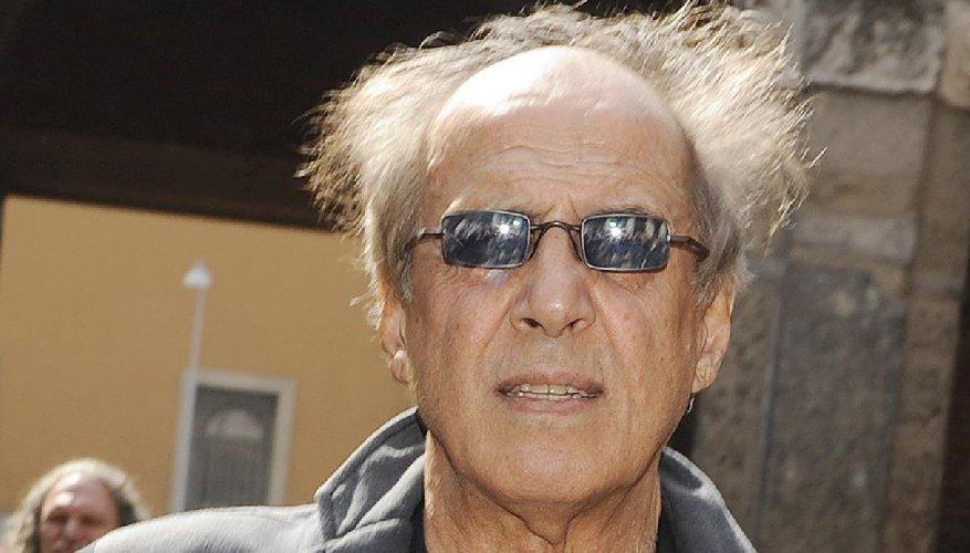 https://www.ragusanews.com//immagini_articoli/06-01-2020/gli-82-magnifici-anni-di-adriano-celentano-500.jpg