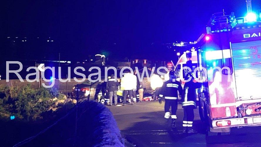 https://www.ragusanews.com//immagini_articoli/06-01-2020/incidente-modica-ispica-tre-ambulanze-per-i-soccorsi-500.jpg
