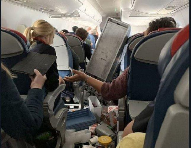 https://www.ragusanews.com//immagini_articoli/06-01-2020/passeggero-i-nostri-25-minuti-di-panico-aereo-per-catania-500.jpg