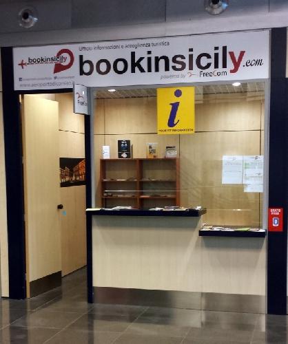 https://www.ragusanews.com//immagini_articoli/06-02-2015/bookinsicily-all-aeroporto-di-comiso-500.jpg