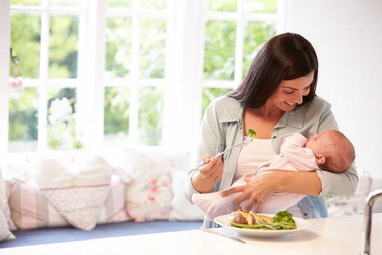https://www.ragusanews.com//immagini_articoli/06-02-2020/dieta-post-parto-i-consigli-per-le-mamme-che-vogliono-ritornare-in-forma-500.jpg