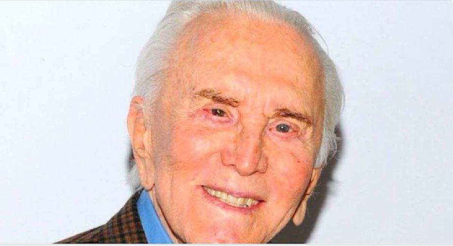 https://www.ragusanews.com//immagini_articoli/06-02-2020/e-morto-kirk-douglas-aveva-103-anni-500.jpg