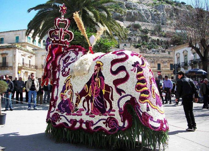 https://www.ragusanews.com//immagini_articoli/06-03-2019/prenota-vacanza-scicli-cavalcata-giuseppe-500.jpg