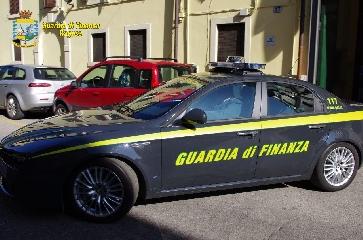 http://www.ragusanews.com//immagini_articoli/06-04-2017/droga-arrestati-albanesi-240.jpg
