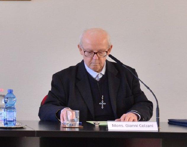 https://www.ragusanews.com//immagini_articoli/06-04-2019/il-teologo-colzani-e-l-imam-capo-di-sicilia-a-confronto-a-ragusa-500.jpg