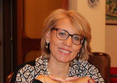 https://www.ragusanews.com//immagini_articoli/06-04-2021/avvocati-professoressa-morta-stop-ad-astrazeneca-sotto-i-60-anni-280.jpg
