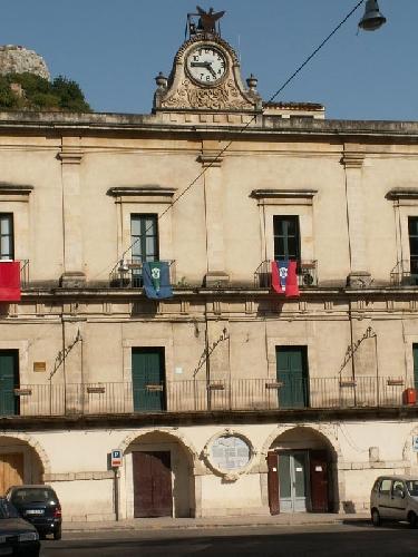 http://www.ragusanews.com//immagini_articoli/06-05-2013/a-modica-sono-nove-i-candidati-alla-poltrona-di-sindaco-500.jpg