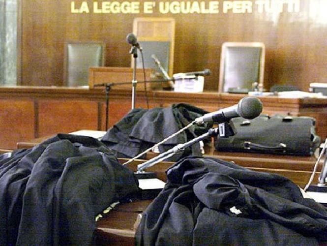 https://www.ragusanews.com//immagini_articoli/06-05-2014/trafficante-internazionale-pena-rideterminata-500.jpg