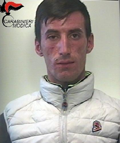http://www.ragusanews.com//immagini_articoli/06-05-2016/arresto-per-droga-500.jpg