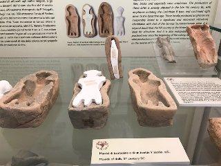 https://www.ragusanews.com//immagini_articoli/06-05-2019/1557161721-bimbi-archeologi-a-naxos-1-240.jpg