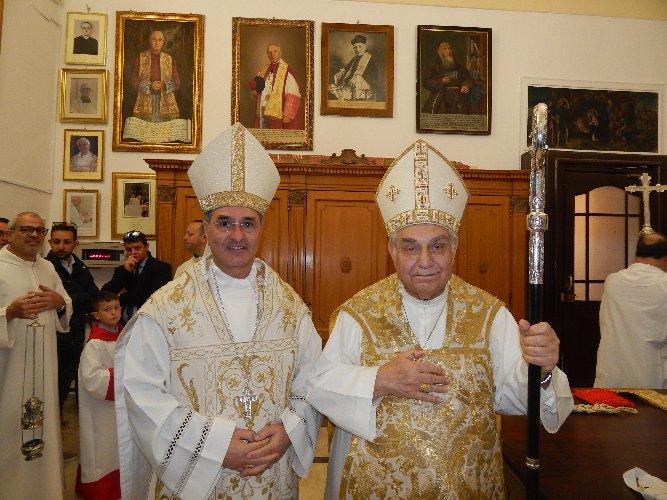 https://www.ragusanews.com//immagini_articoli/06-05-2019/il-cardinale-romeo-a-chiaramonte-per-maria-di-gulfi-500.jpg