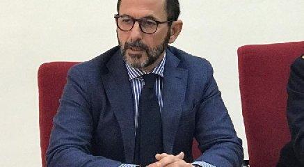https://www.ragusanews.com//immagini_articoli/06-05-2019/l-ibleo-bellassai-questore-a-taranto-240.jpg