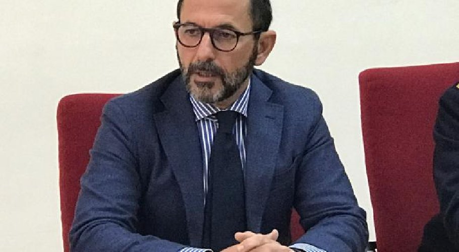 https://www.ragusanews.com//immagini_articoli/06-05-2019/l-ibleo-bellassai-questore-a-taranto-500.jpg