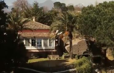 https://www.ragusanews.com//immagini_articoli/06-05-2019/villa-di-battiato-in-vendita-c-e-il-video-appello-la-compri-la-siae-240.png