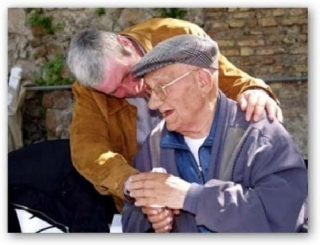https://www.ragusanews.com//immagini_articoli/06-05-2020/coppia-vittoriese-circuisce-anziano-di-comiso-500.jpg