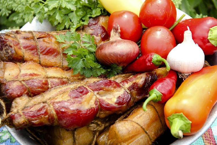 https://www.ragusanews.com//immagini_articoli/06-05-2020/dieta-gli-abbinamenti-dei-cibi-che-aiutano-a-dimagrire-500.jpg