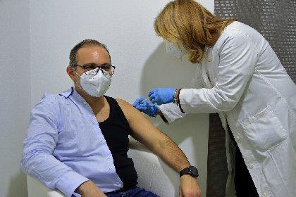 https://www.ragusanews.com//immagini_articoli/06-05-2021/anche-a-ragusa-al-via-prenotazioni-vaccini-per-classe-1971-280.jpg