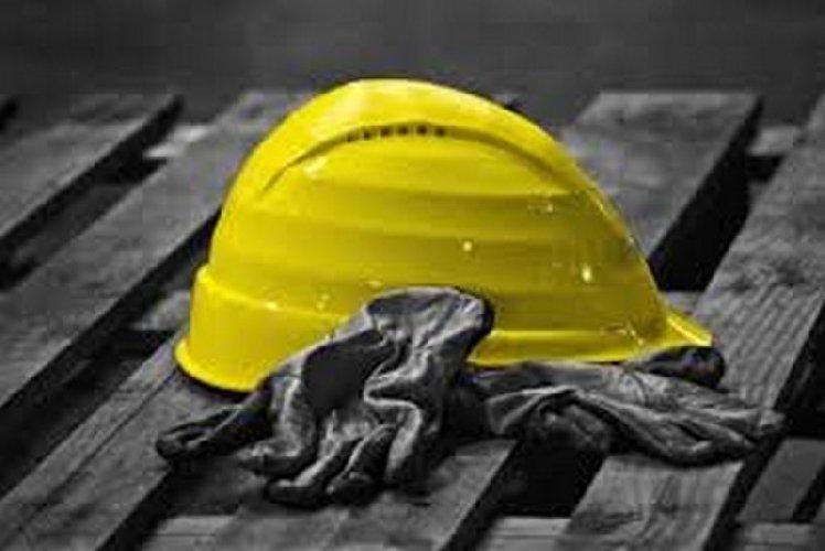 https://www.ragusanews.com//immagini_articoli/06-05-2021/incidente-sul-lavoro-gli-avevano-amputato-le-gambe-e-morto-500.jpg