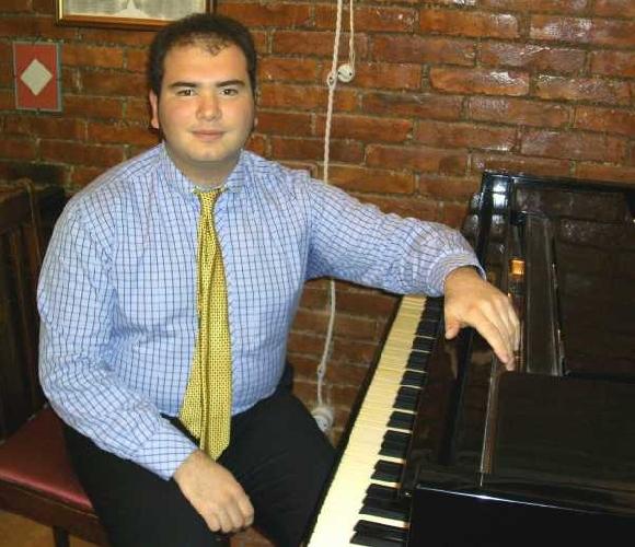 http://www.ragusanews.com//immagini_articoli/06-06-2017/pianista-alessandro-marco-modica-500.jpg