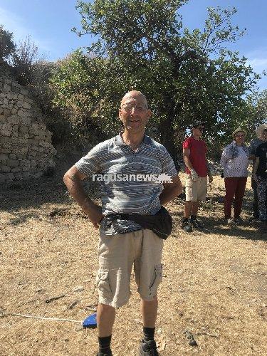 https://www.ragusanews.com//immagini_articoli/06-06-2018/luigi-fidone-compio-70anni-divento-archeologo-500.jpg
