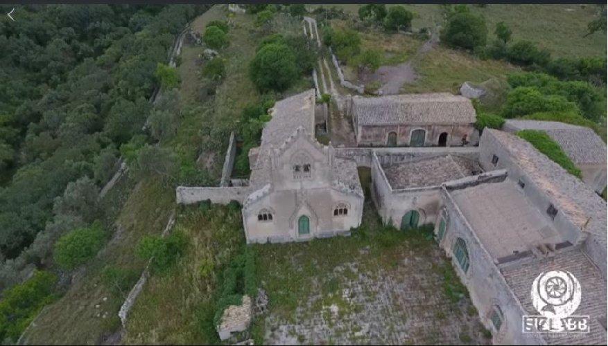 https://www.ragusanews.com//immagini_articoli/06-06-2018/sicilia-abbandonata-torre-filippo-giarratana-leggenda-500.jpg