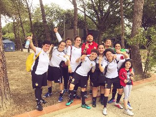 https://www.ragusanews.com//immagini_articoli/06-06-2019/il-calcio-femminile-a-scicli-240.jpg