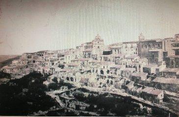 https://www.ragusanews.com//immagini_articoli/06-06-2019/la-matrice-di-monterosso-almo-240.jpg