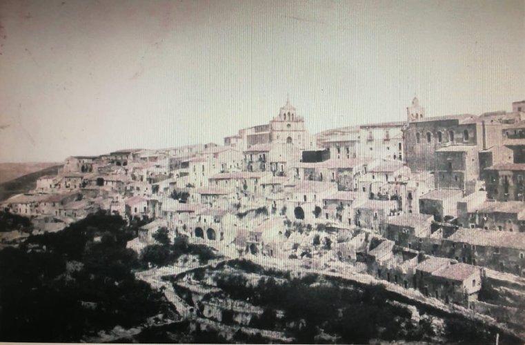 https://www.ragusanews.com//immagini_articoli/06-06-2019/la-matrice-di-monterosso-almo-500.jpg