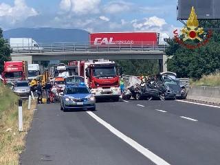 https://www.ragusanews.com//immagini_articoli/06-06-2020/a1-arrestato-il-papa-delle-bimbe-morte-nell-incidente-240.jpg